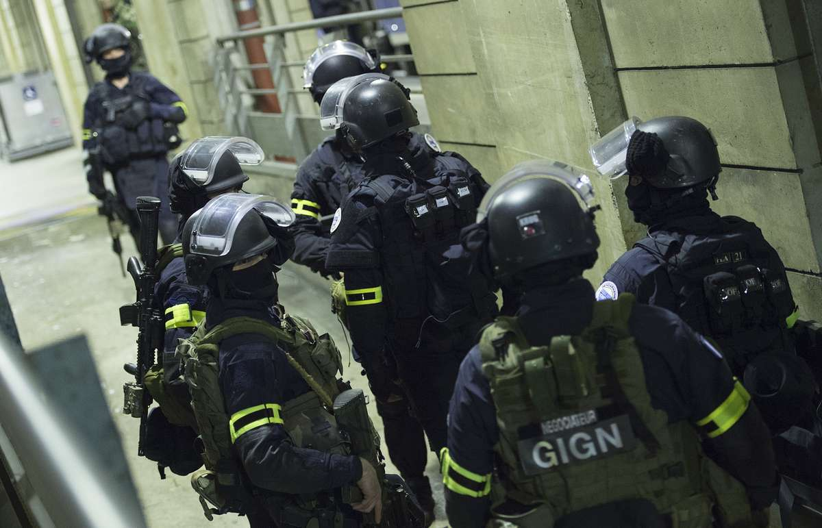Во французской тюрьме спецназ случайно убил женщину. 15022.jpeg