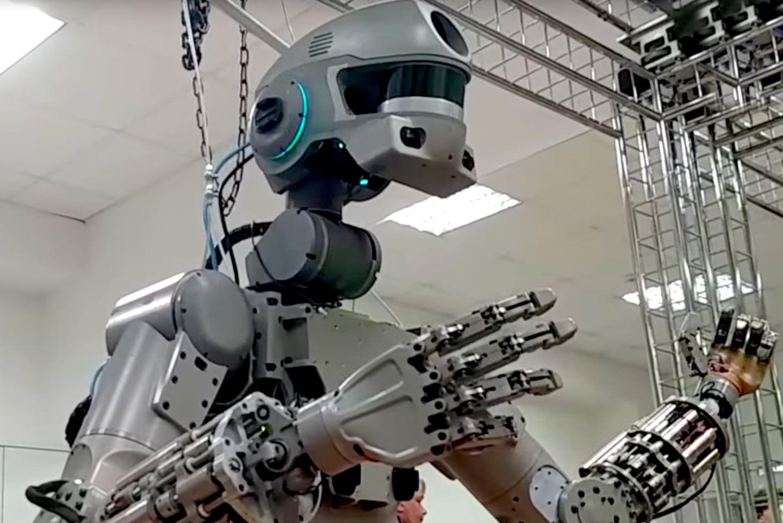 """""""Роскосмос"""" отправит на МКС человекообразного робота. 15036.jpeg"""