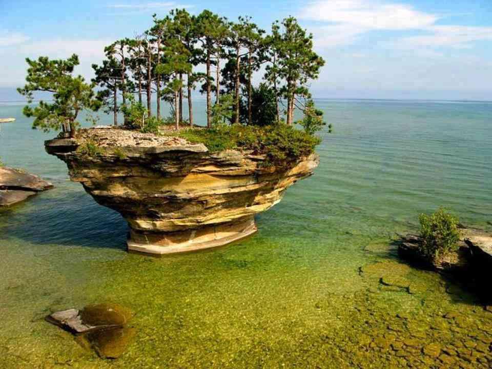 Travelify опубликовал фотографии каменных кораблей Гурона. 15043.jpeg