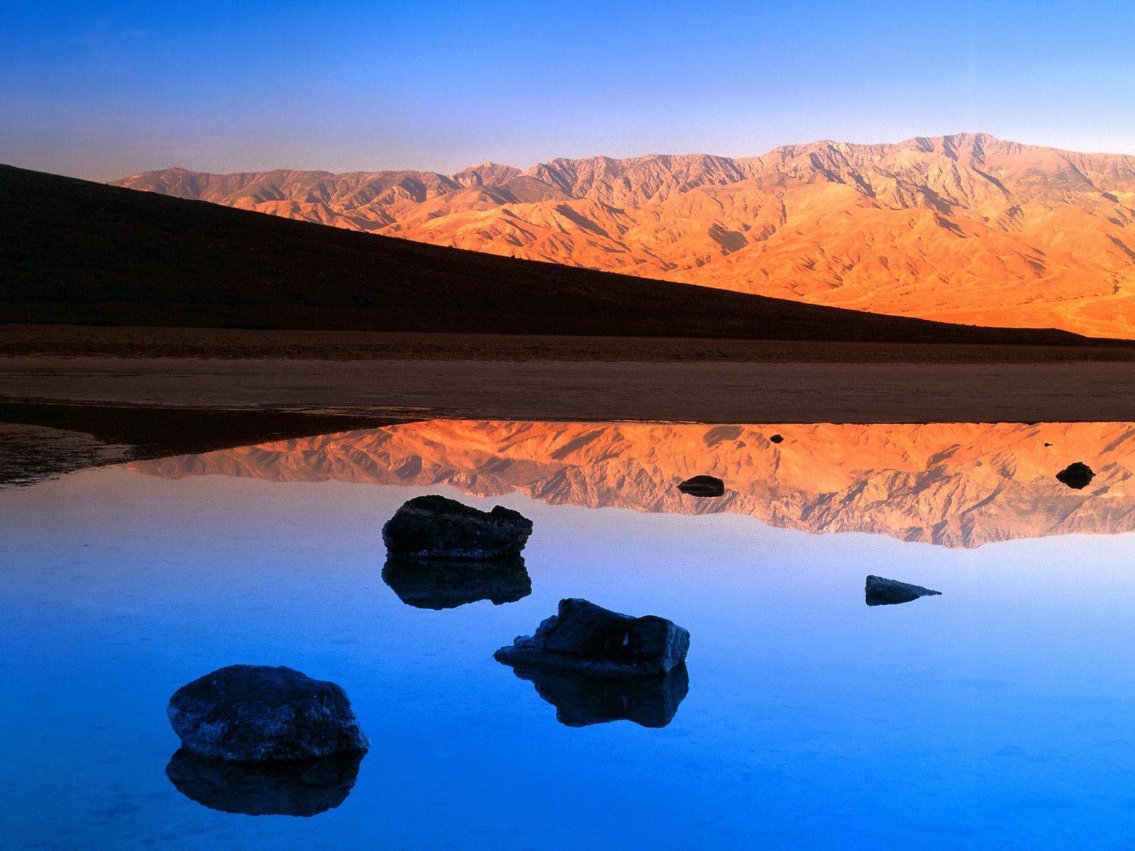 В Долине смерти появилось озеро. озеро