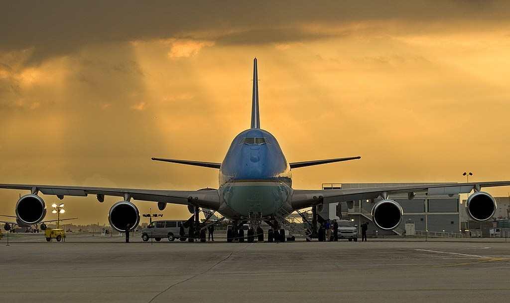 Самолеты Судного дня парализовало наводнение. самолет