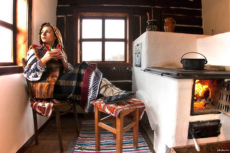 Человек поддерживает в доме температуры своей прародины. тепло
