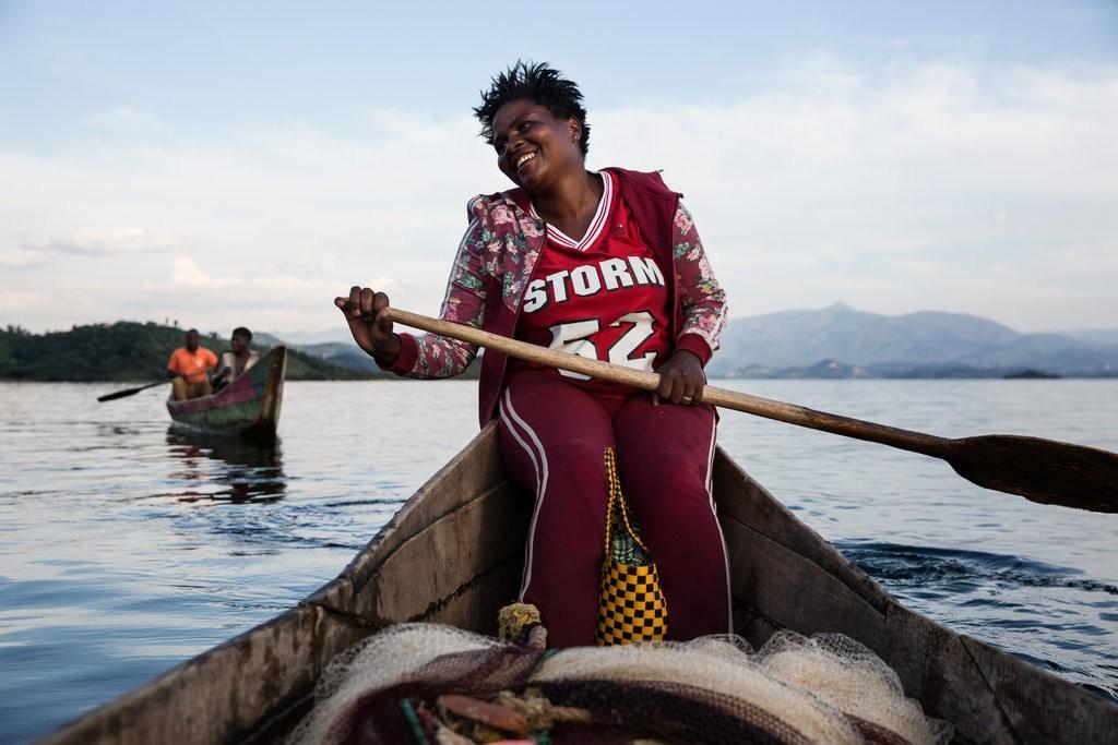 В Руанде женщины освоили профессию рыбака. 14227.jpeg