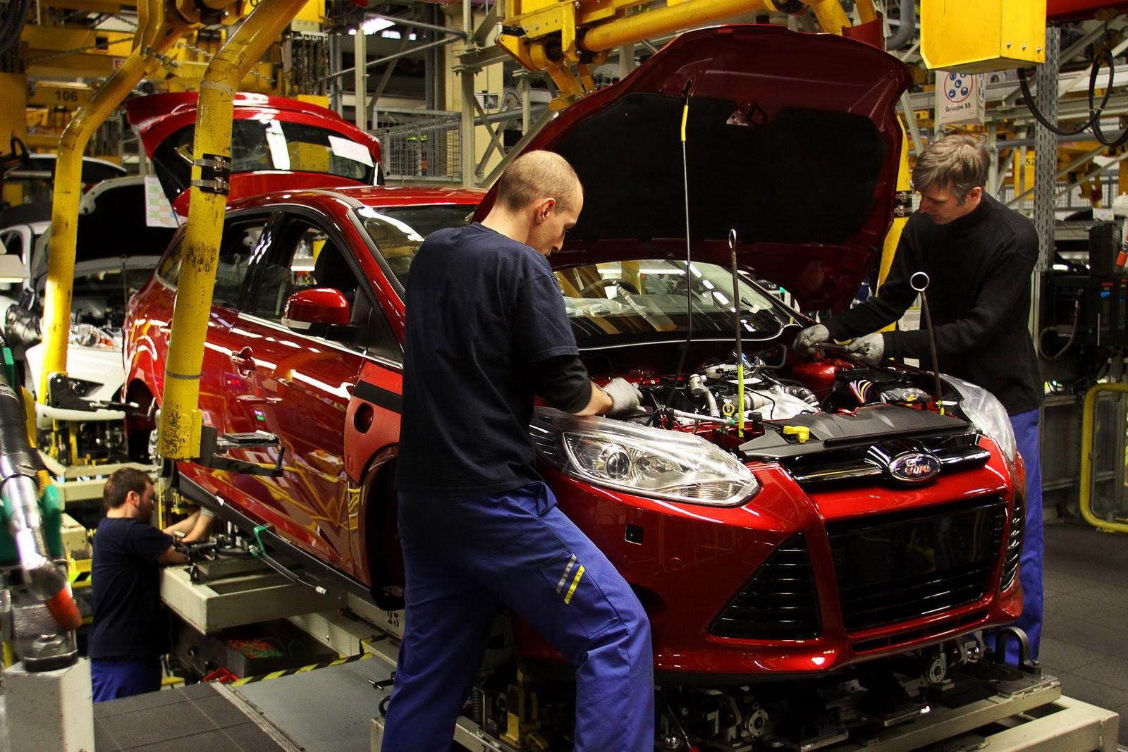 Ford уходит с российского рынка легковых автомобилей. форд