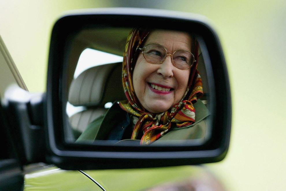 Королева Елизавета II больше не сядет за руль. королева