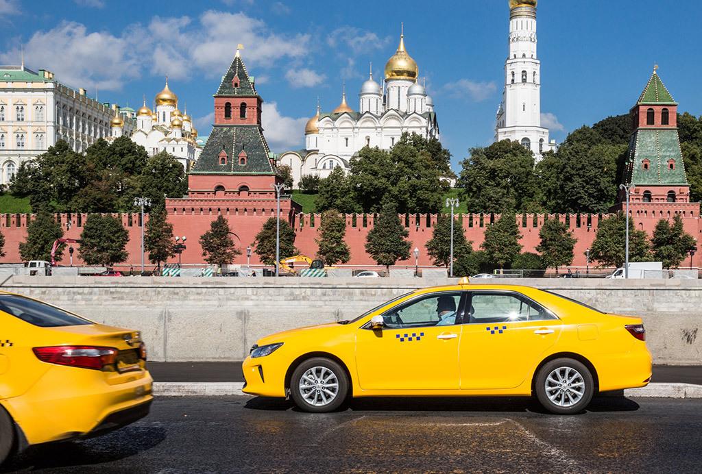 18 московских таксистов находятся в розыске. такси