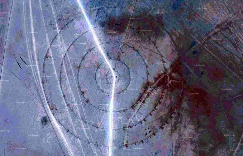 На дне высохшего озера обнаружили загадочные круги. 14293.jpeg