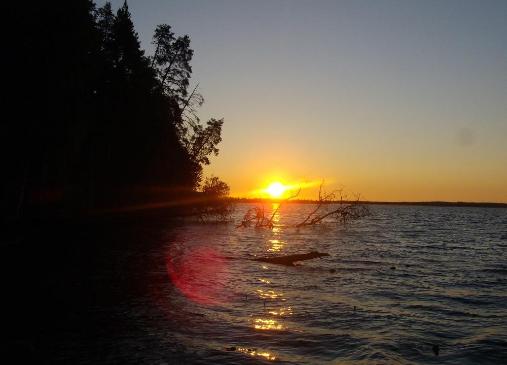 На сайте Perevalnext вспомнили о чудовище Адова озера. озеро