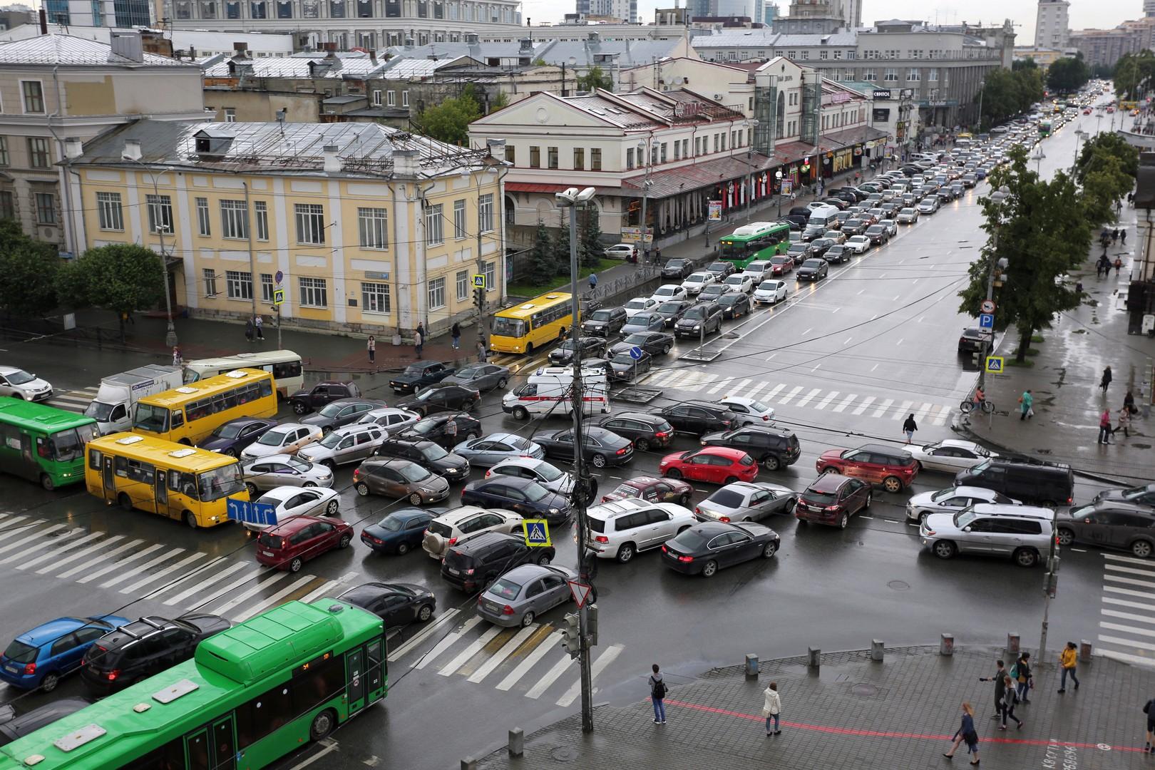 В России предлагают ввести платные перекрестки. перекресток