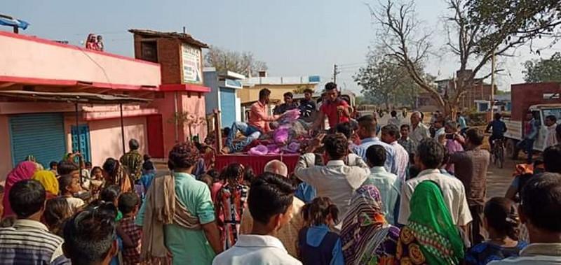 В деревне Бавамохатра похоронили крокодила. 14449.jpeg
