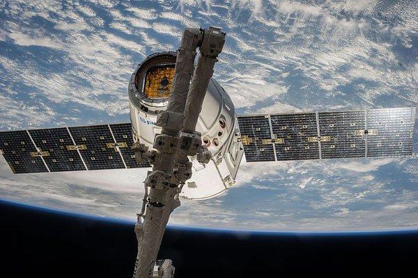 Ученые потеряли связь с телескопом. 14454.jpeg