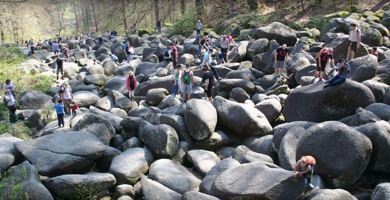 В Германии есть река, по которой текут камни. камни