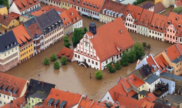 Климатологи назвали причины масштабных наводнений в Европе. климат, глобальное потепление, наводнение, Европа