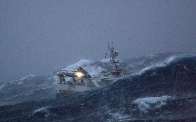 В Японском море спасли корейских рыбаков. 13537.jpeg