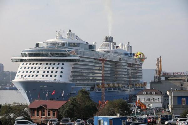 Во Владивосток зашел самый большой в истории круизный лайнер. лайнер, круиз, Владивосток