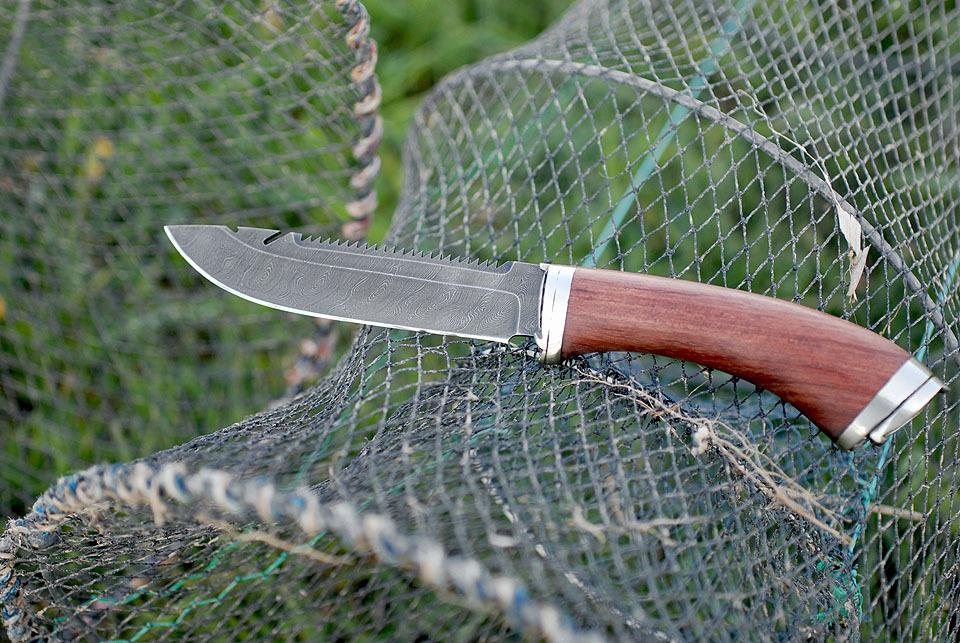 Рыбацким ножом можно делать операции. нож