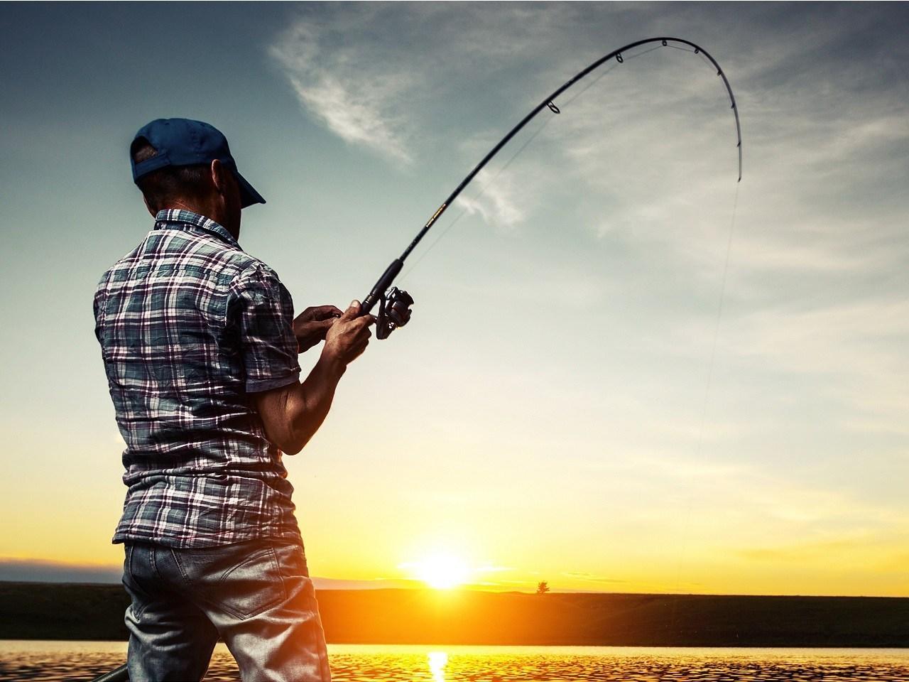 В Ставрополье ловили и отпускали рыбу обратно. рыбалка