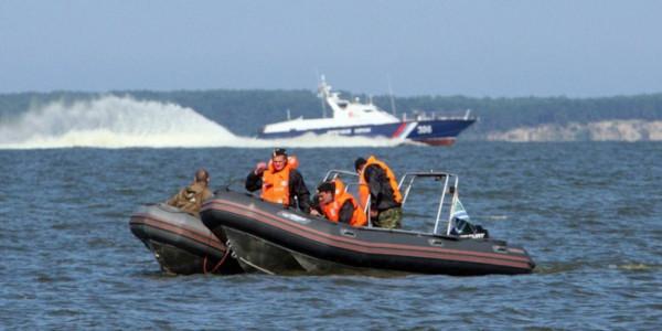 ФСБ задержала более 80 граждан КНДР в Японском море за браконьерство. рыба, браконьеры, Северная Корея, Японское море