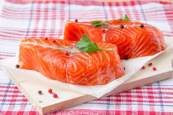 Диетолог рассказал, чем заменить подорожавшую красную рыбу. рыба, красная рыба, диетолог, продукты