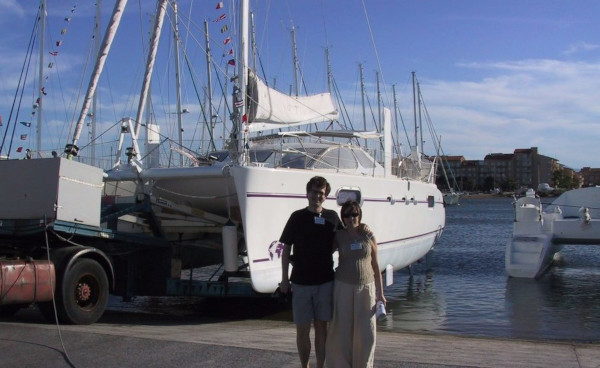 Рай в «посудине»: молодая пара собирается в кругосветку на 11-метровой яхте. пара, яхта, кругосветное путешествие, Европа