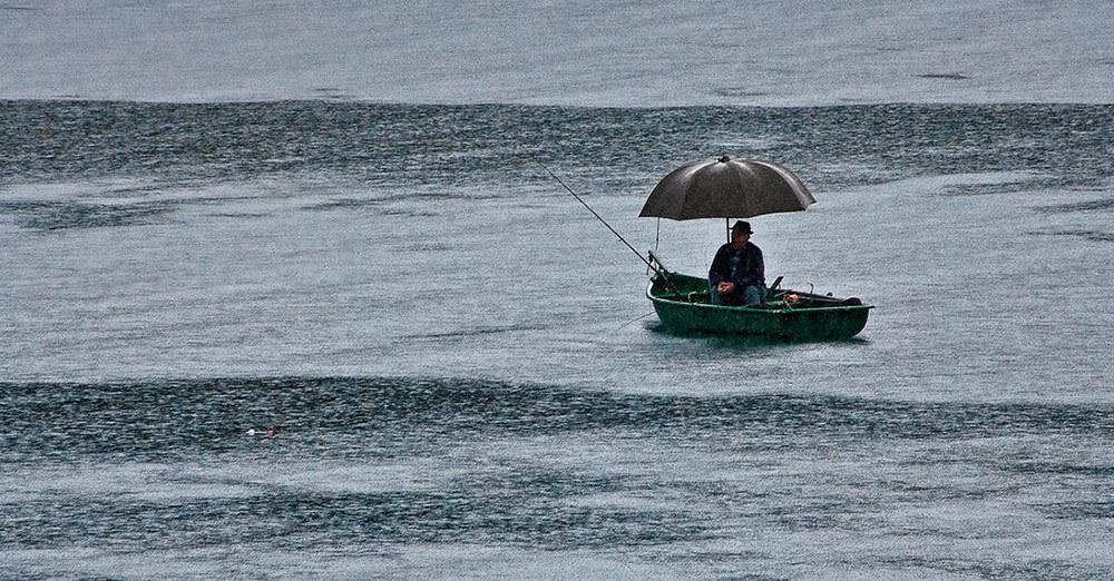 Рыбачим в дождь. 15746.jpeg
