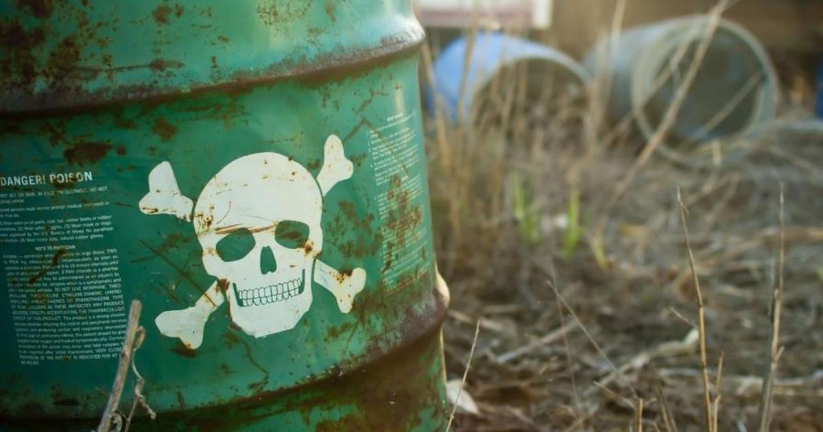 Выброс химикатов в реку случился на Украине. 15828.jpeg