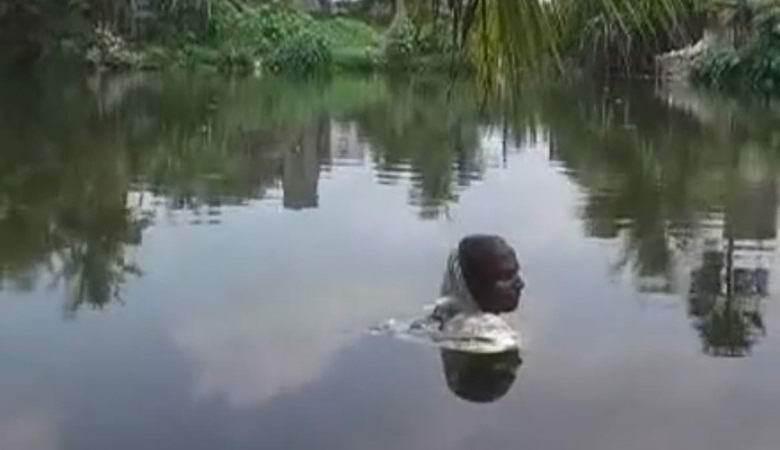 В Индии обнаружили человека-амфибию. 13830.jpeg