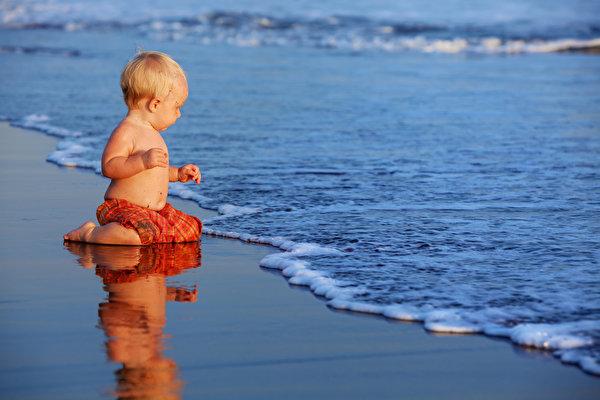 Рыбак поймал в океане младенца. 13849.jpeg