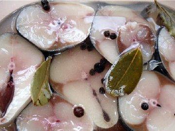 Интересный рецепт маринованной рыбы