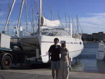 Молодая европейская пара собирается в кругосветку на 11-метровой яхте