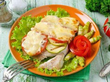 Запеченная рыба с овощами: 4 быстрых рецепта