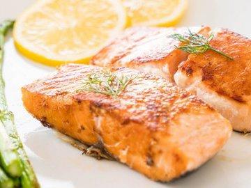 Запеченный лосось: 5 лучших рецептов