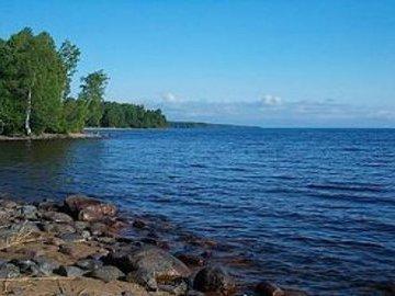 В Онежское озеро сбрасывают промышленные отходы