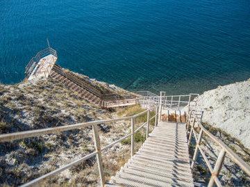 В Анапе волонтеры отремонтируют лестницу из 800 ступеней к морю