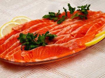 В России снизились цены на красную рыбу