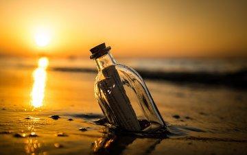 Рыбаки обнаружили послание в бутылке