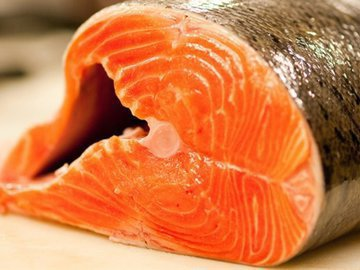 Ученые: употребление лосося опасно для жизни человека