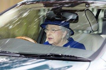 Королевские особы нарушают ПДД