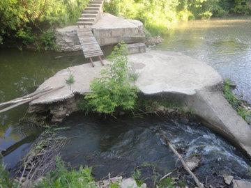 В Татарстане на берегу реки выявлено множество экологических нарушений