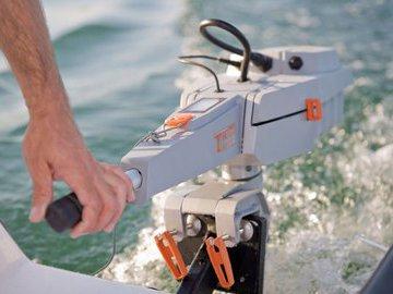 Чем хорош и плох электромотор на лодке