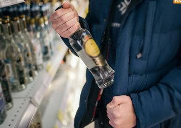 Житель Тюмени украл, выпил, сел